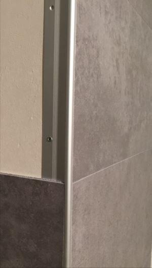 Saubere Ecklösung für Planeo Wandverkleidung - mit Aluprofil