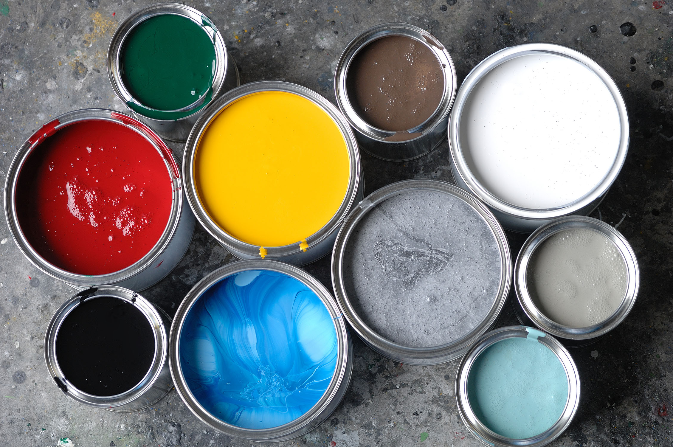 Alle Farbsorten sind gewissermaßen atmungsaktiv, doch die Unterschiede sind groß.